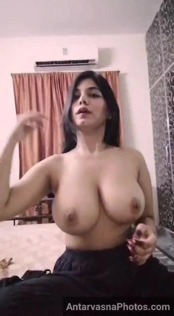 big boobs dikhati indian kinky girl ka live show