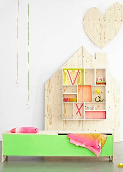 Fluorescent colors for nursery decoration