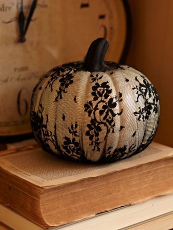Black and white Halloween ideas18