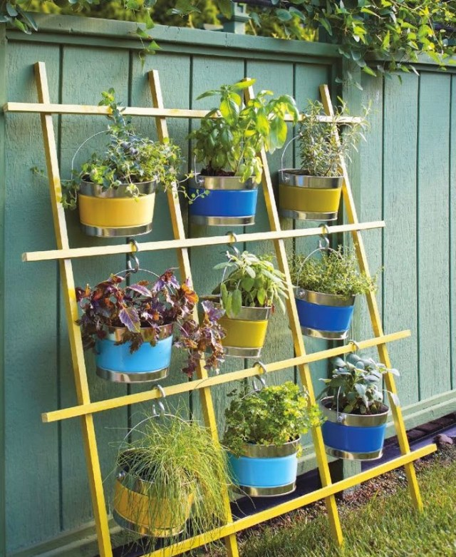 Ideas for small gardens - Balconies35