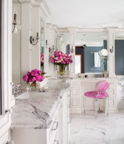 Elegant marble bathroom with pink touches5