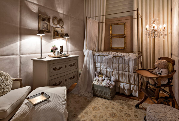 A wonderful baby's room in classic style1