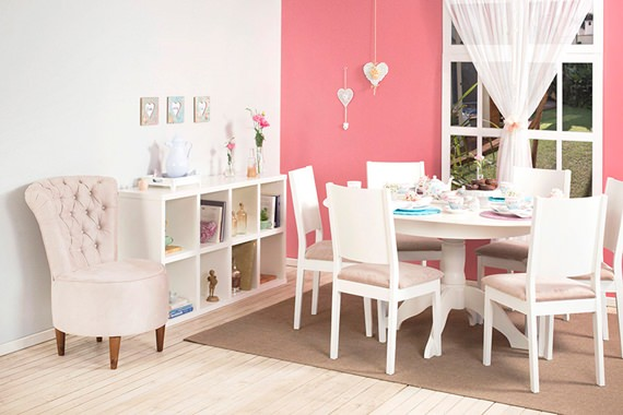 Dining room decorated with romantic style1