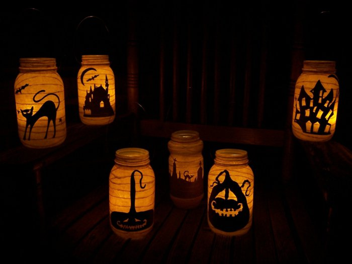 DIY Halloween decoration for a spooky outdoor atmosphere9