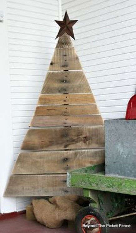 CHRISTMAS IDEAS with PALLETS1