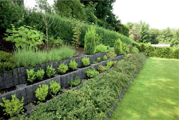Concrete garden jardinières (9)