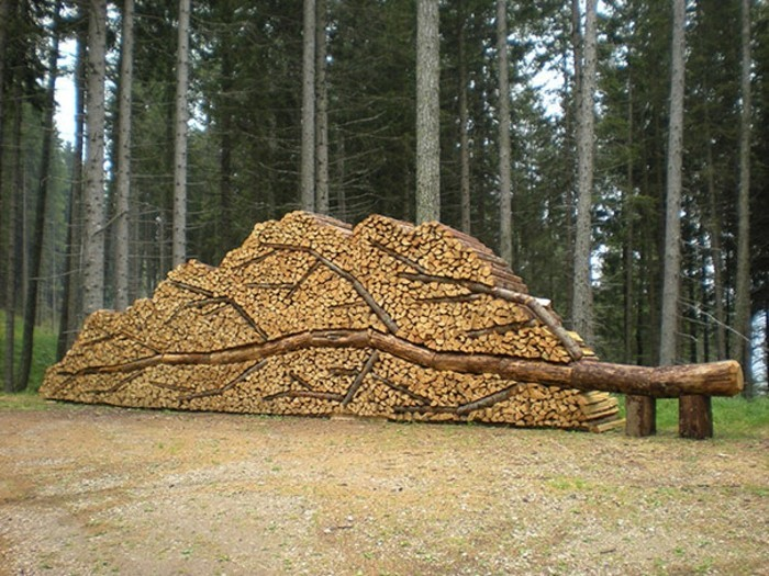 sculptures-from-firewood1-14