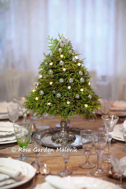 small-tabletop-christmas-tree-from-branches10