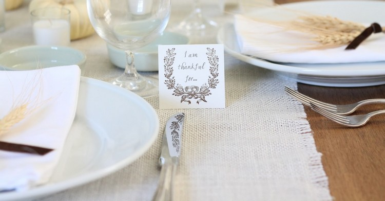 Burlap Table Runner ideas (11)