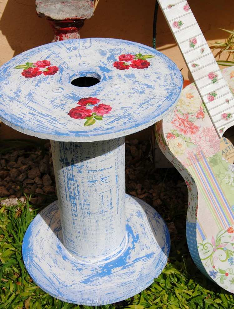 coffee table from wire spools (21)