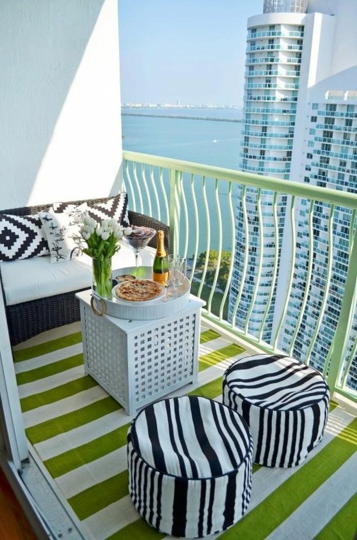 small balcony ideas30