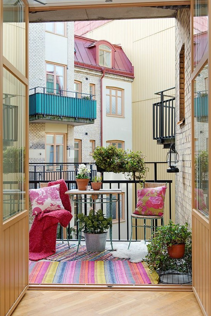 small balcony ideas41