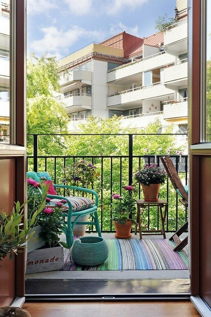 small balcony ideas43