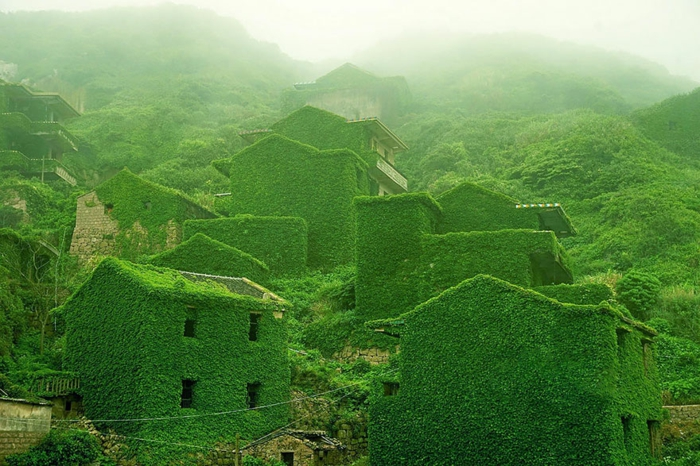 An abandoned village in China1