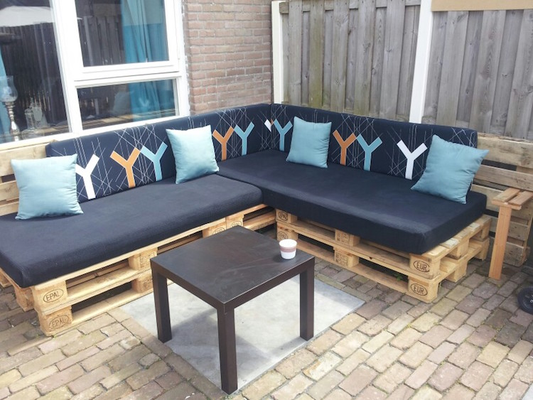 Pallet garden furniture17