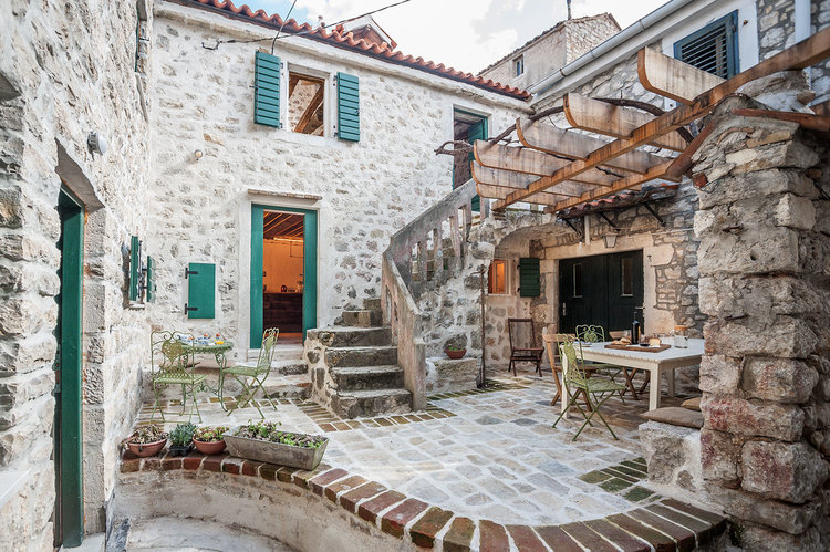 charm house in Croatia1