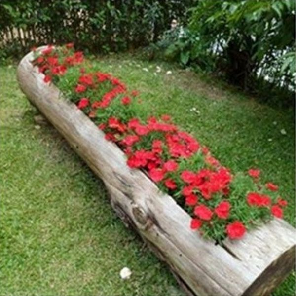 garden decoration with stumps and crates1