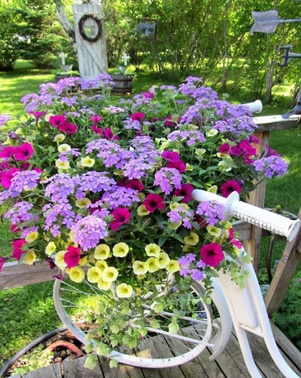 garden decorations from old bicycles7