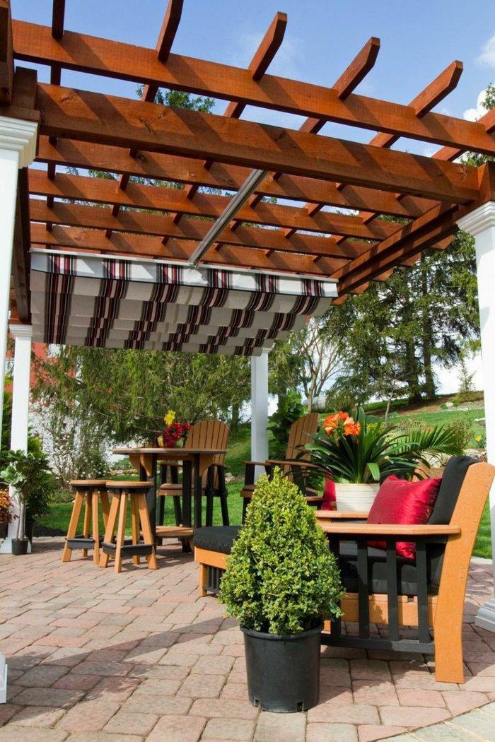 Garden with pergola16