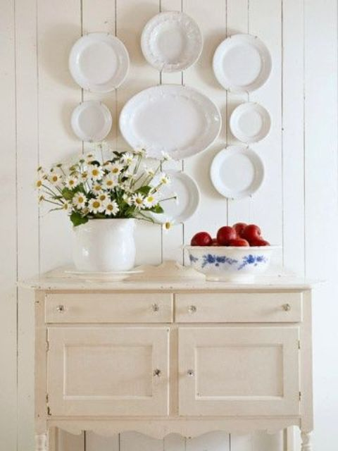 decorating walls with dishes8