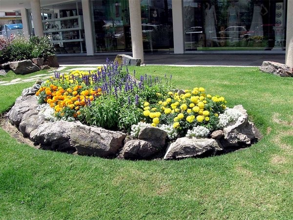 flower beds ideas (12)