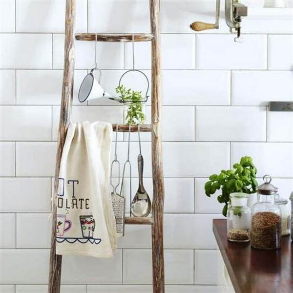 Decorating with ladders (10)