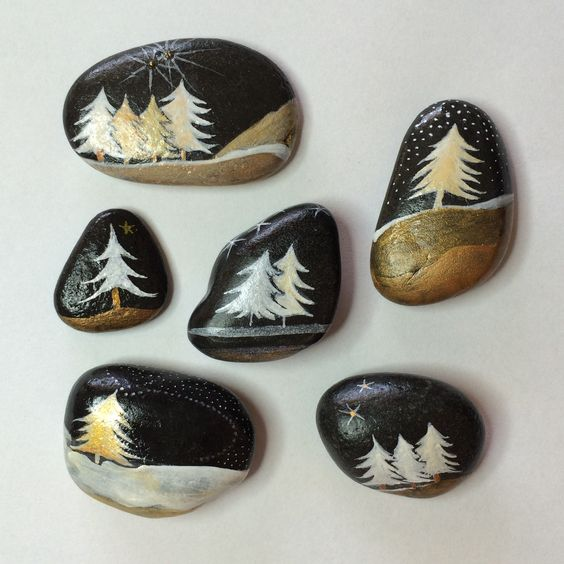 Christmas painting on stones and pebbles (15)
