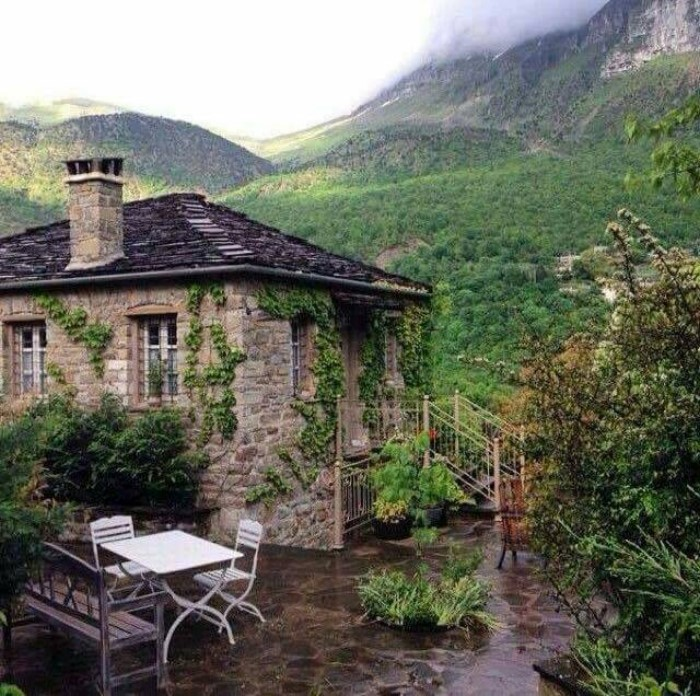 dream houses in the mountains of Greece25