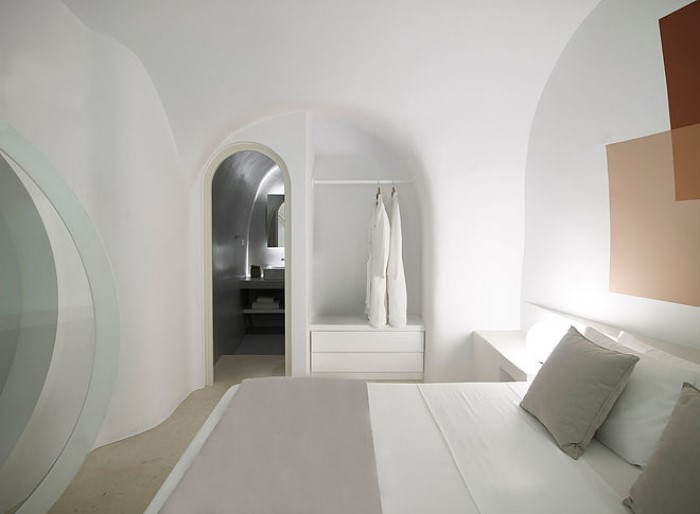 house in Santorini was once a cave6