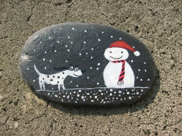 Christmas painting on stones and pebbles (67)