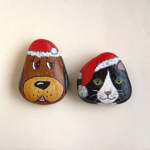 Christmas painting on stones and pebbles (69)