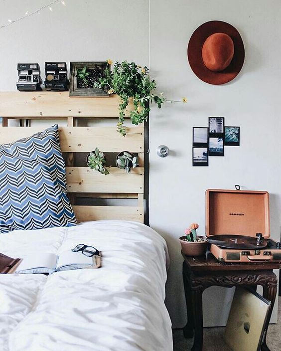 Pallets Bed Ideas6