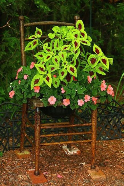 old chairs planters7