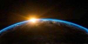 地球 夜明け