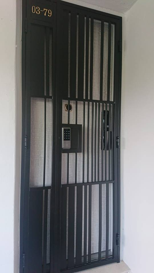 2019 Nice Fire Rated HDB Door  $999 with HDB Gate $680 Matches Keywe Smartphone Push Pull Digital Lock at $899  in Singapore with My Digital Lock, Call 90677990 , Order Now and Get it Today
