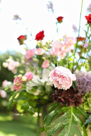 Цветы для символической свадебной церемонии. Flowers for symbolic wedding ceremony