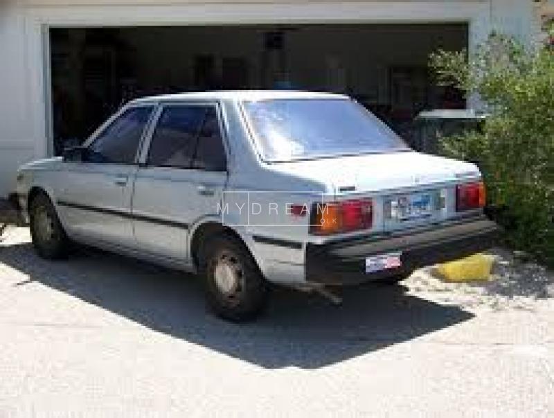 Nissan B11 1983