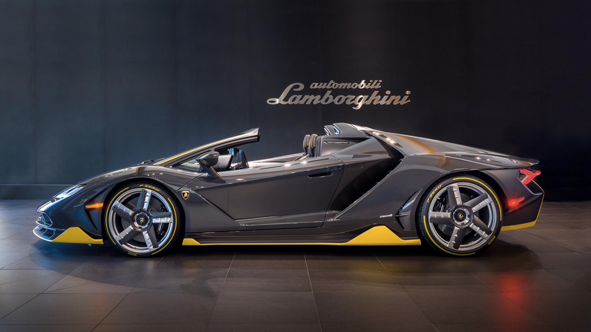 LAMBORGHINI CENTENARIO ROADSTER ARRIVES IN BEVERLY HILLS