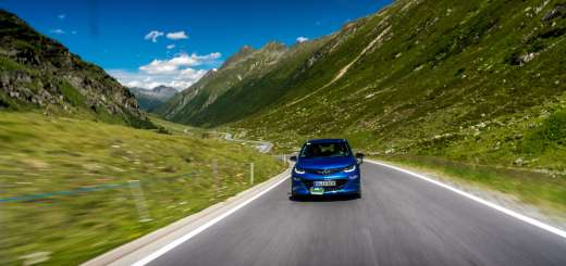 Something Old, Something New: Opel Commodore and Opel Ampera-e Shine in Austrian Alps
