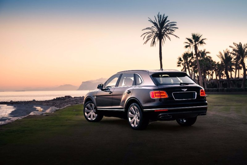 Bentley Motors is announcing the North American debuts of three extraordinary models: the Continental Supersports, Bentayga W12 editions and EXP 12 Speed 6e concept, at Monterey Auto Week