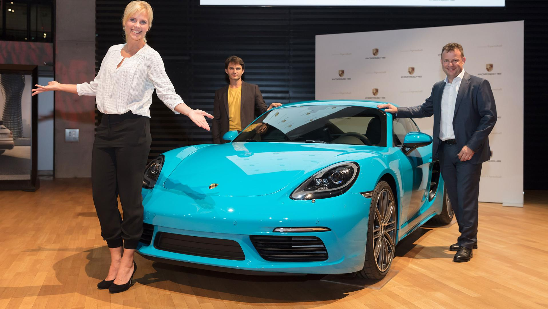 Porsche unveils tombola vehicle for the 2017 Opera Ball