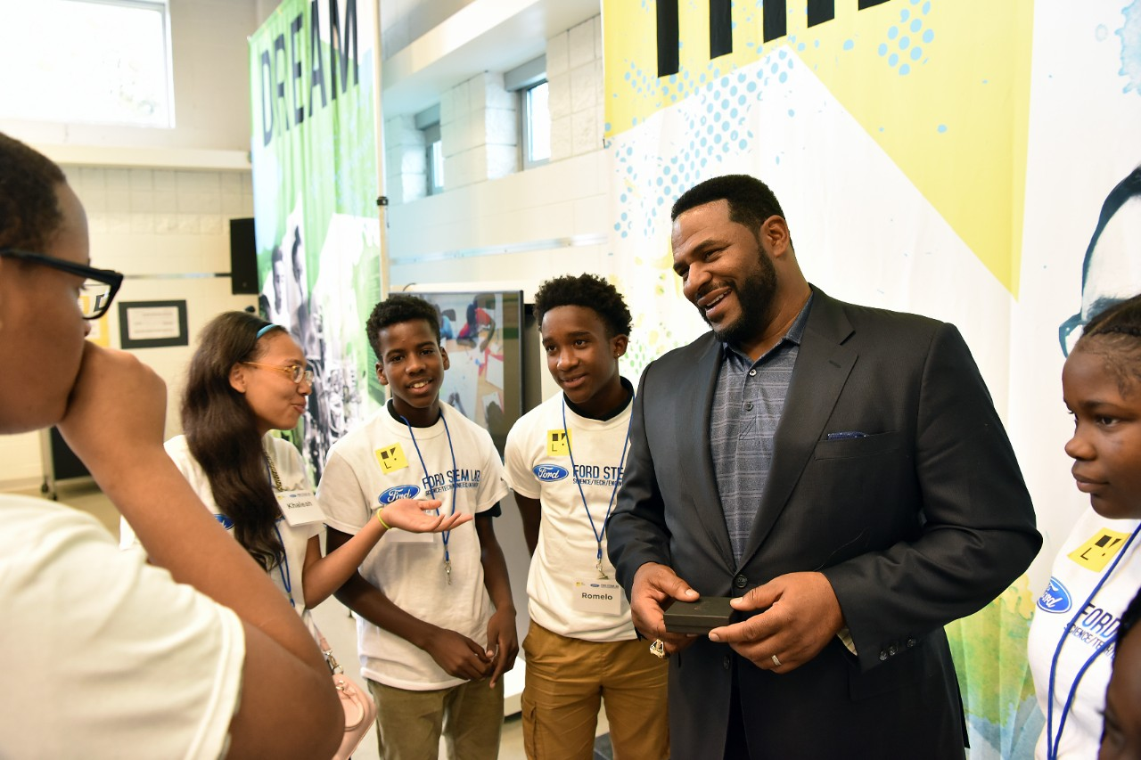 Ford Fund Opens Innovative Community Center in Detroit, Invests $5 Million to Expand Neighborhood Access to Services