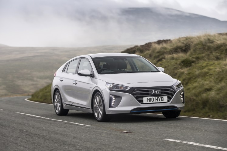 What Car? names the Hyundai IONIQ as Best Hybrid at 2018 award ceremony