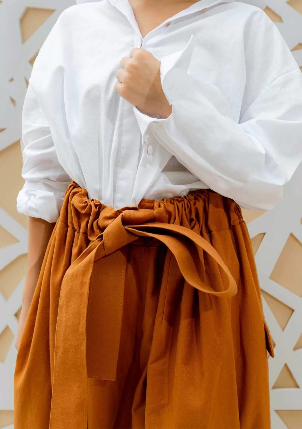 Cotton belt on sustainable cotton trousers
