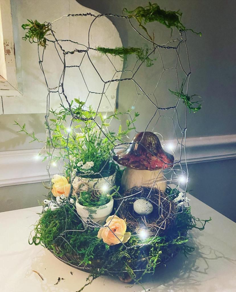 everyday decor ideas   chicken wire terrarium   Lindy thompson   Taterbuggin'