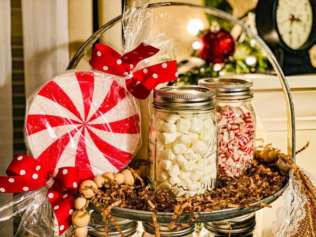peppermint candy ornament using a styrofoam disc #peppermintcandycraft #styrofoamcraft