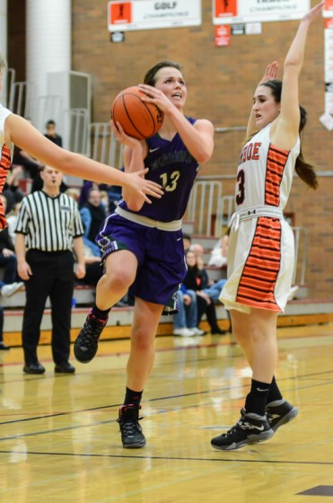 Natalie Kasper had 12 for Edmonds-Woodway.