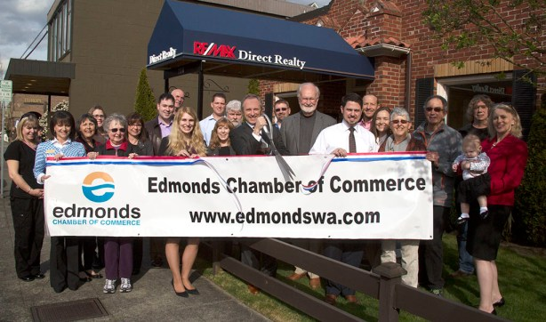 The Edmonds Chamber of Commerce hosted a ribbon-cutting with Mayor Dave Earling for Remax Direct Realty, 110 4th Ave. N. (Photo by Renata Kleinert)