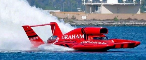 J. Michael Kelly and Graham Trucking win in San Diego. (Photo courtesy Hydro News)