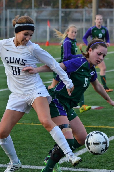 Hailey Hull scored the first goal for the Warriors.